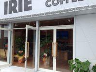 おしゃれなカフェのサーフショップです。